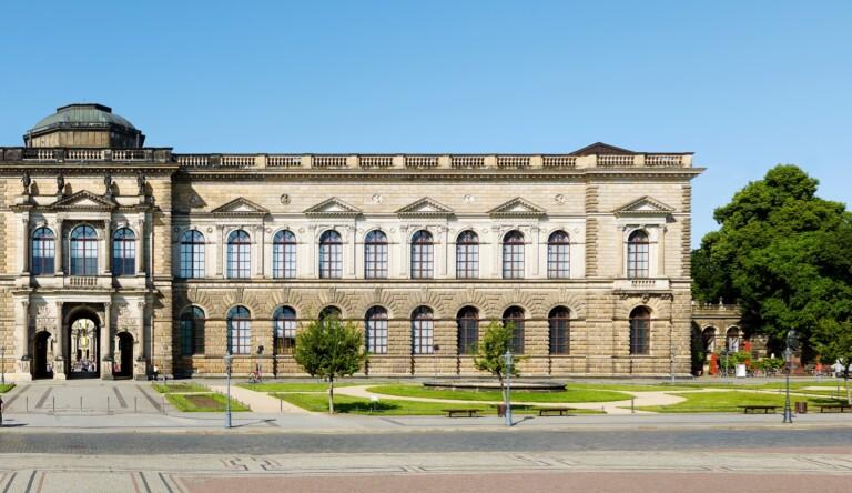 Sollingglas berichtet über spezielle Anforderungen von System-Isoliergläsern für den Zwinger in Dresden