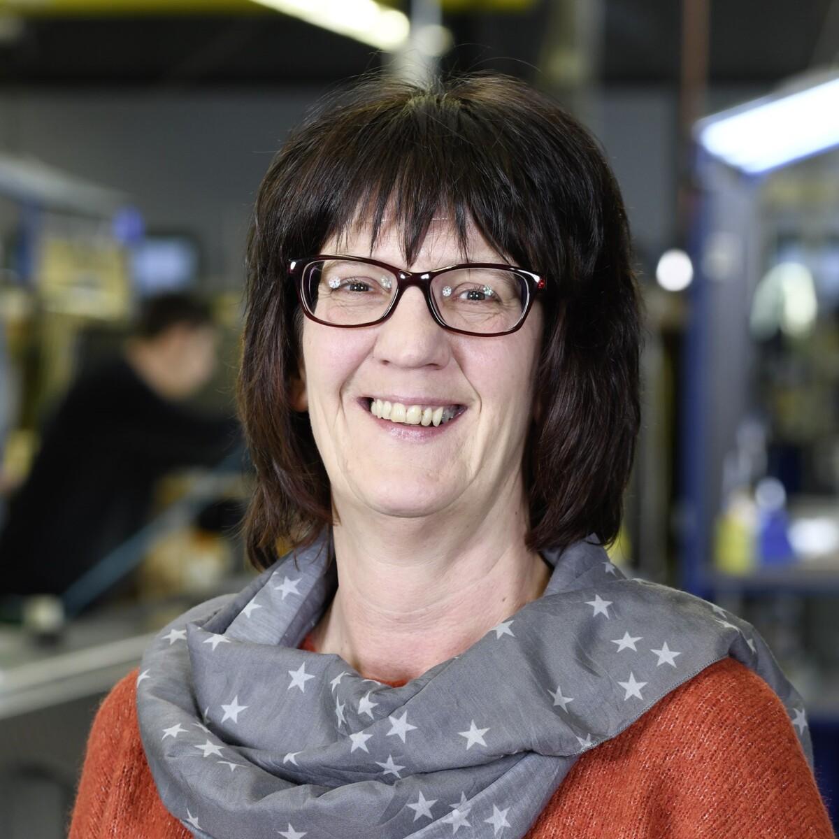 Sandra Swaddle – Ansprechpartner bei Sollingglas für Türfüllungen